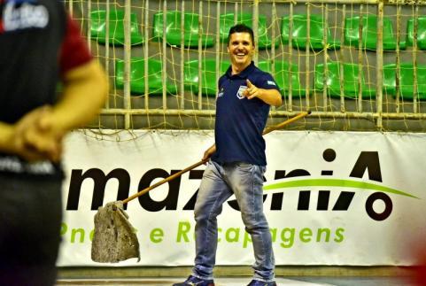 Jean Zeni o rodoboy da Copa Ver�o de Futsal