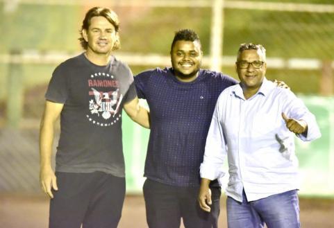 Jorge, Jo�o Britto e Careca prestigiam TEC Sub 19 no Est�dio Municipal