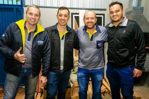 ANIVERSARIANTES � Juliano, Ednei, Marcio Gafuri e Diego