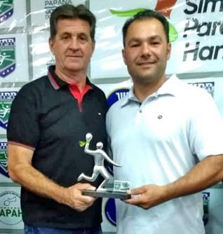 Mauro Jos� Ansolin recebe Trof�u de Melhor T�cnico da Categoria Livre Prata