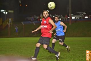 Lajes Gasparotto / Lonas Bor� e Clube Ol�mpico decidem t�tulo do futebol su��o do Yara