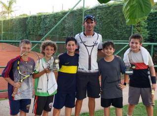 Tenistas conquistam bons resultados no Torneio Paranaense Infanto Juvenil
