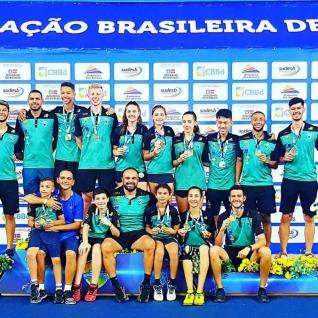 BADMINTON � Atletas conquistam 18 medalhas no Nacional