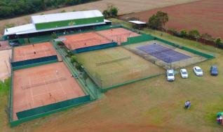 HBA Tennis uma das melhores academias de t�nis do Paran�