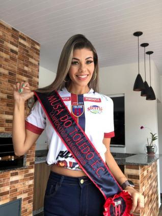 T�bata Let�cia Brancalh�o � a Musa do Toledo Esporte Clube