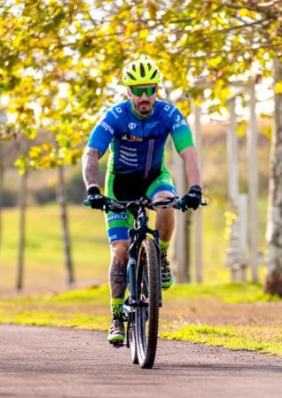 ANDR� HENRIQUE FAGOTTI PAGLIARINI - Dindas: uma vida dedica ao ciclismo toledano