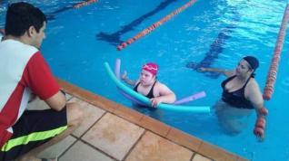 Smel passa a oferecer natação para pessoas com síndrome de Down