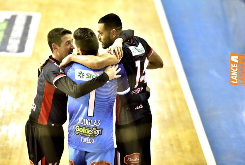 Em casa, Toledo Futsal s� empata com Umuarama