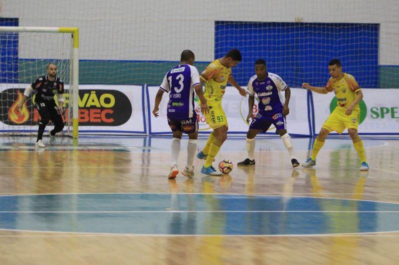 AACC Copagril vence o Toledo pela Liga Futsal Paran�