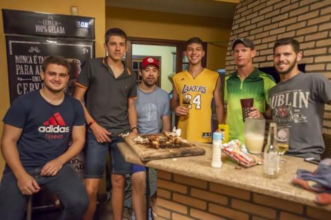 Amigos do tênis e do poker