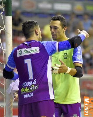 Toledo Futsal joga bem, mas perde para Foz do Iguaçu na Chave Ouro
