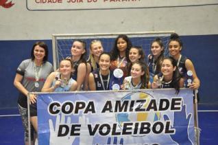 Colégio Incomar conquista etapa e avança na classificação da Copa Amizade de Vôlei