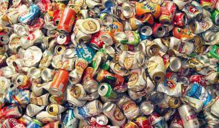 Associação de GR faz campanha para arrecadar latas de alumínio