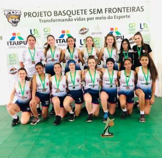 Basquetebol feminino de Toledo Sub 13 é bronze no Estadual