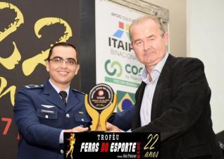 Carlos Dulaba mantém comissão técnica e jogadores