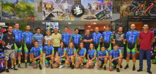 Clube Toledense de Ciclismo inaugura novo uniforme