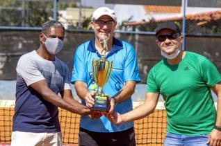 Amarildo e Gilberto conquistam títulos do Circuito Interno de Tênis do Toledão