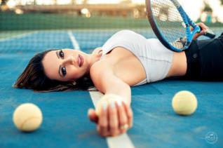 Á Natação É minha paixão, mas estou adorando jogar ténis diz a técnica desportiva Juliana Buccioli