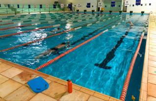 Vagas disponíveis para atividades nas piscinas públicas de Toledo