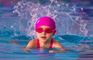 Toledão oferece aulas de natação e hidroginástica