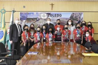 CAMPEÃ NACIONAL, GINÁSTICA ACROBÁTICA DE TOLEDO É RECEPCIONADA PELO PREFEITO