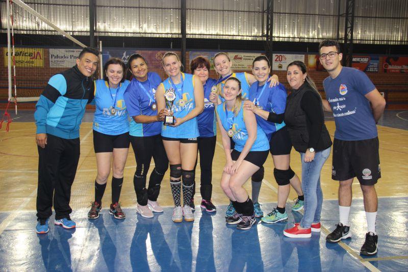 Imobiliária Ativa é campeã do Voleibol Feminino do Toledão