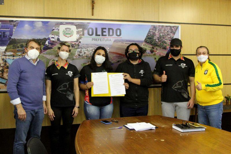 PREFEITURA OFICIALIZA ESPAÇO PARA O CLUBE DE RUGBY DE TOLEDO